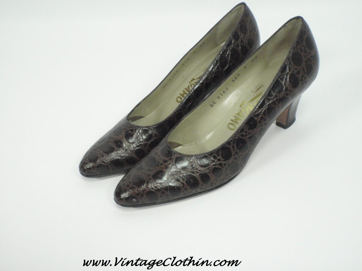 1950, 1950s, 1950s shoes, 1950s Ferragamo Shoes, 1950s Salvatore Ferragamo Shoes, shoes, Vintage Salvatore Ferragamo leather shoes, Vintage Salvatore Ferragamo Crocodile Pumps, crocodile shoes,