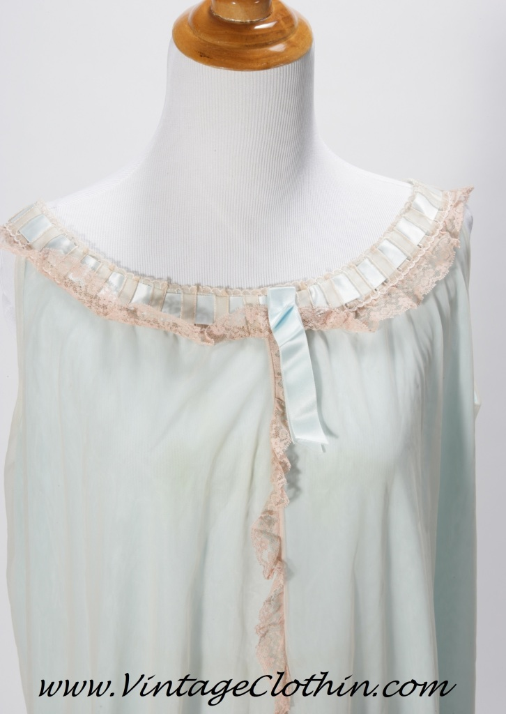 1970s Saks Fifth Avenue Nightgown