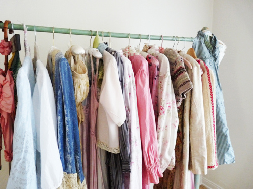 How do you organize your closet wardrobe vintageclothin for How do you organize your closet