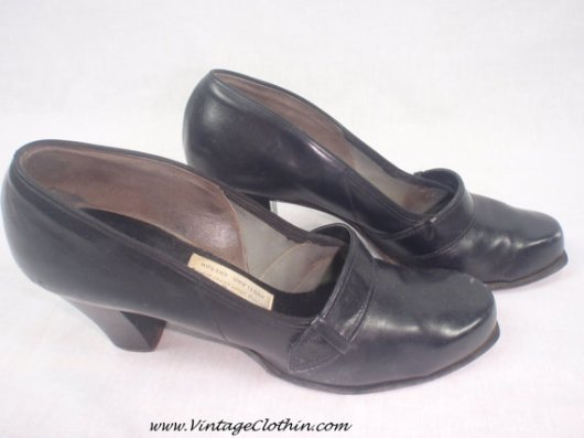 1940s Black Leather Pumps, 1940s Shoes, Vintage Shoes, Black Leather Shoes, Leather Shoes, Charles F Berg 1940s Shoes, WWII