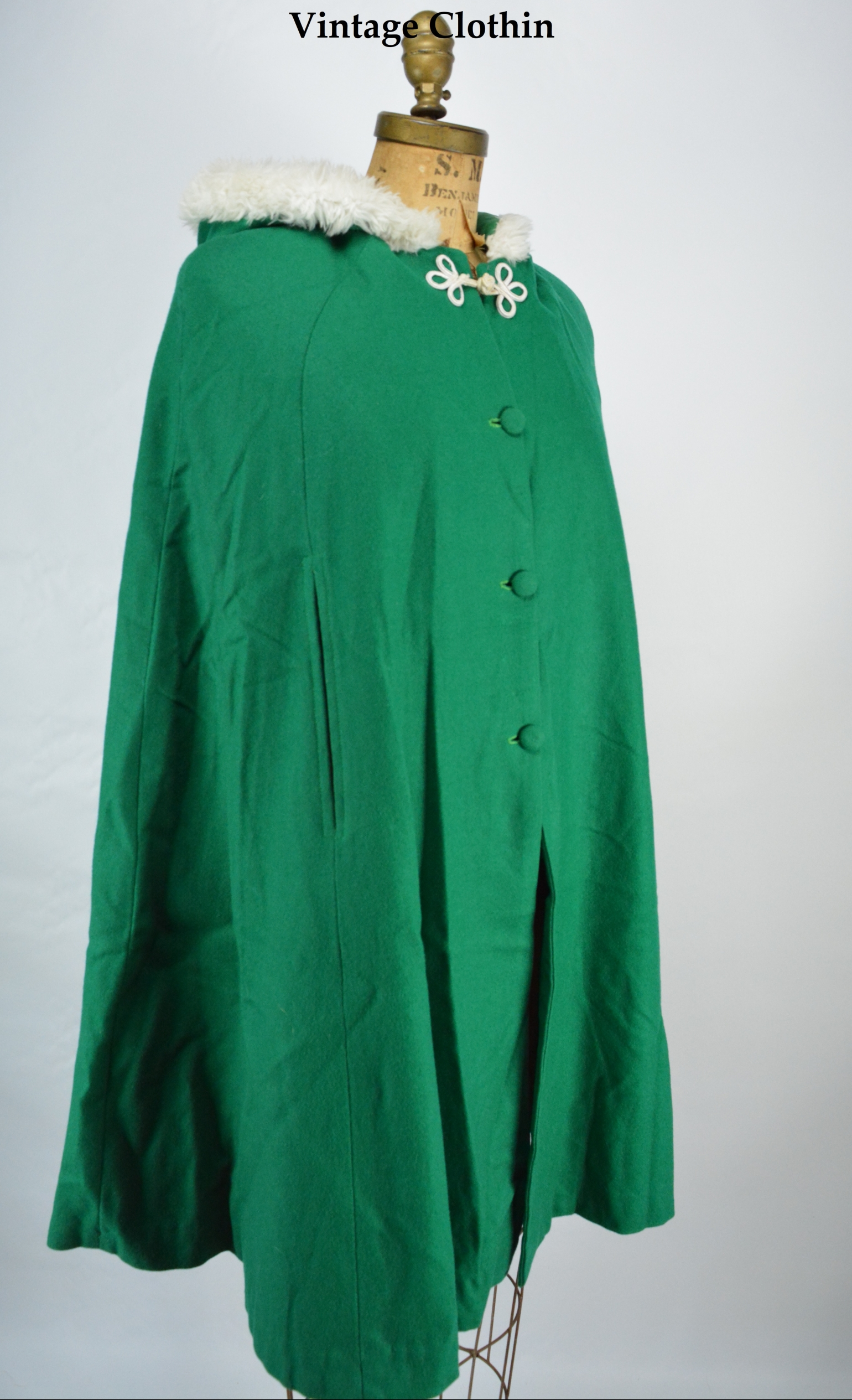 1960s Green Wool Cape with Hood and Fur Trim