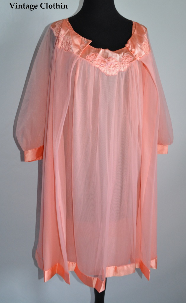 1960s Gossard Artemis Pink Peignoir