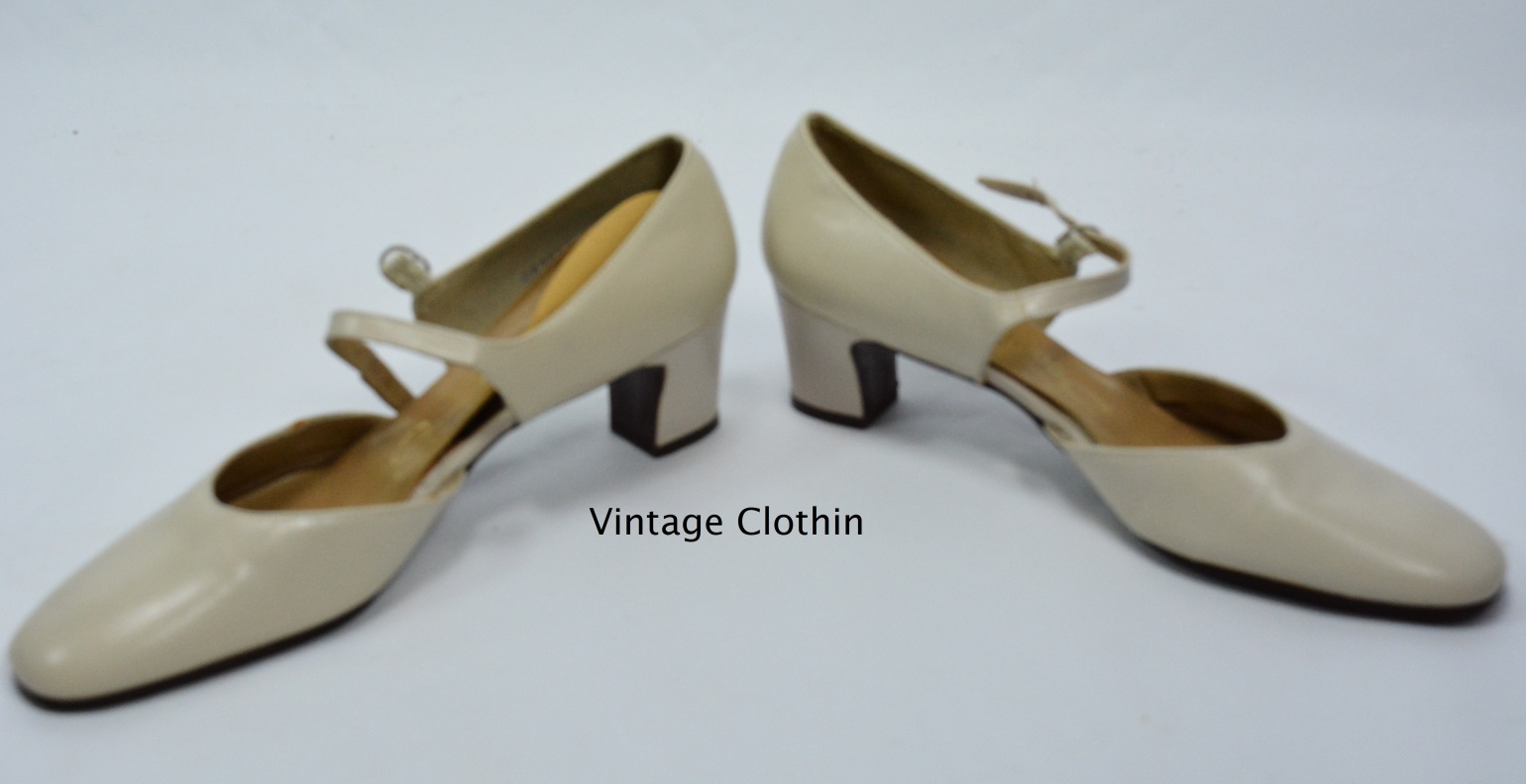 1973 Socialites Bone Pumps New Old Stock