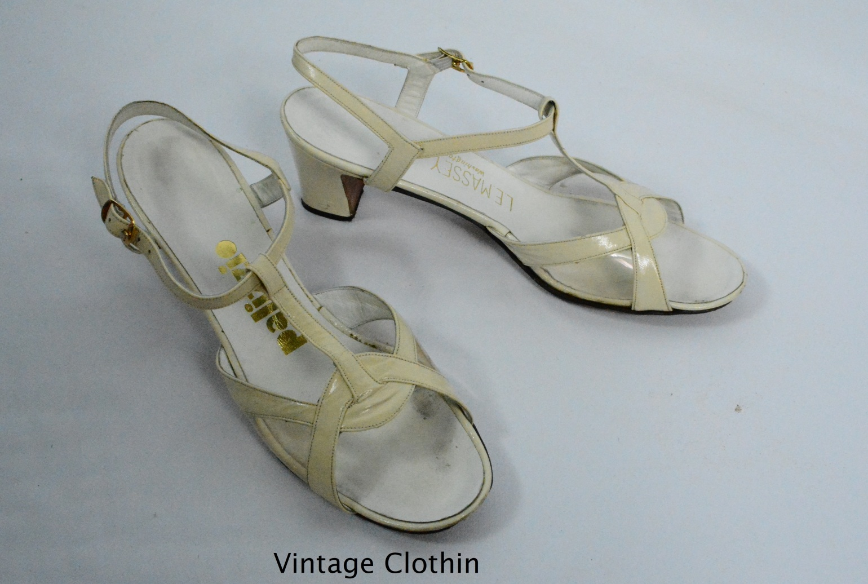 1971 Palizzio/L E Massey Bone T Strap Sandals