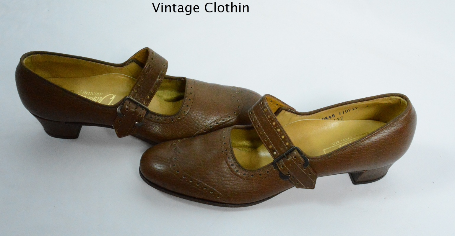1970s Dickersons Brown Buckle Up Oxfords