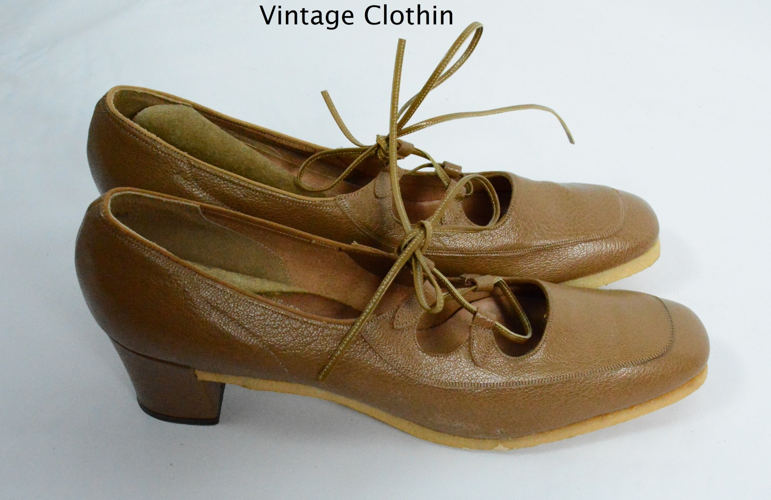 1974 Mark Tavenner / L E Massey Tan Lace up Pumps with Crepe Sole