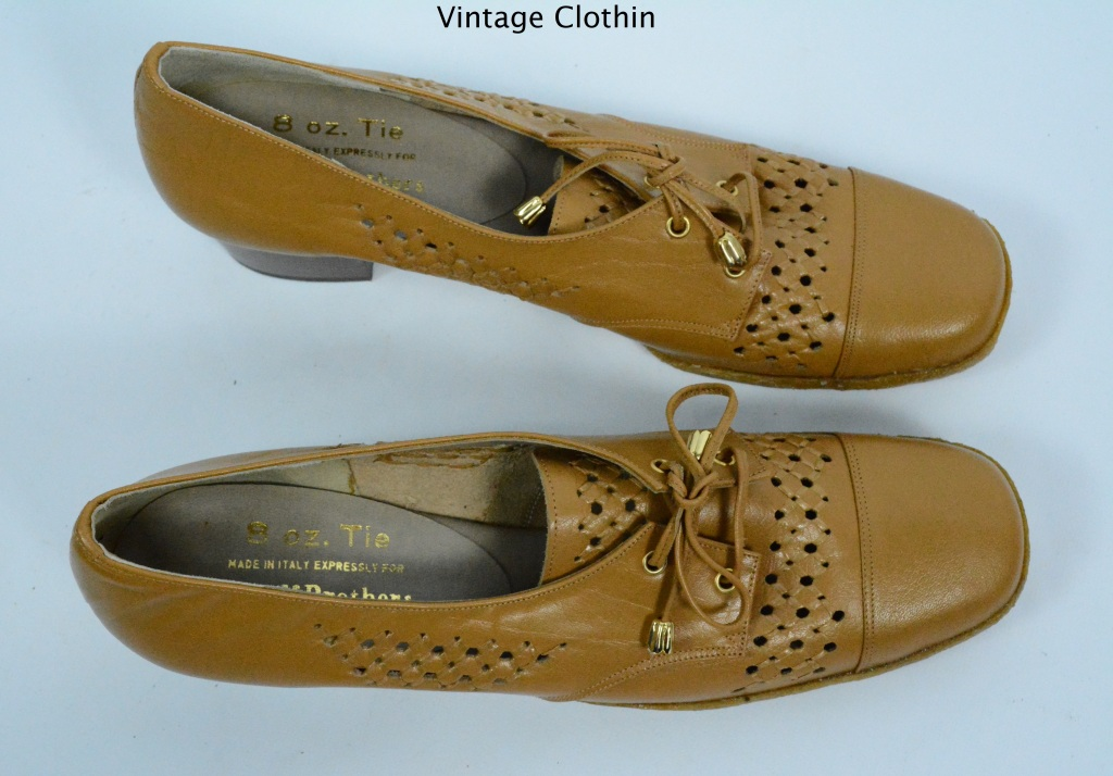 1970s does 1940s Woolf Brothers Tan Pumps