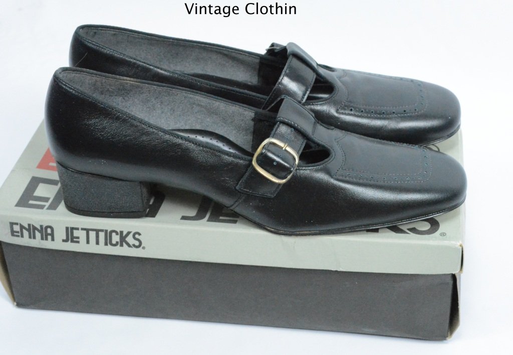 c1960s Enna Jetticks Black Pumps