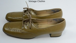 c1960s Enna Jetticks Taupe Pumps