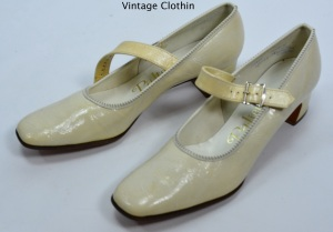 1960s Palter Debs Bone Color Pumps