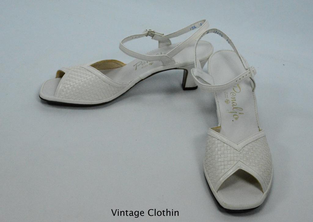 1981 Penaljo White Woven Sandals