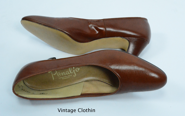 31c11c60f3bbb 1980's does 1950s Penaljo Tan Brown Pumps For Sale – Women's Vintage ...