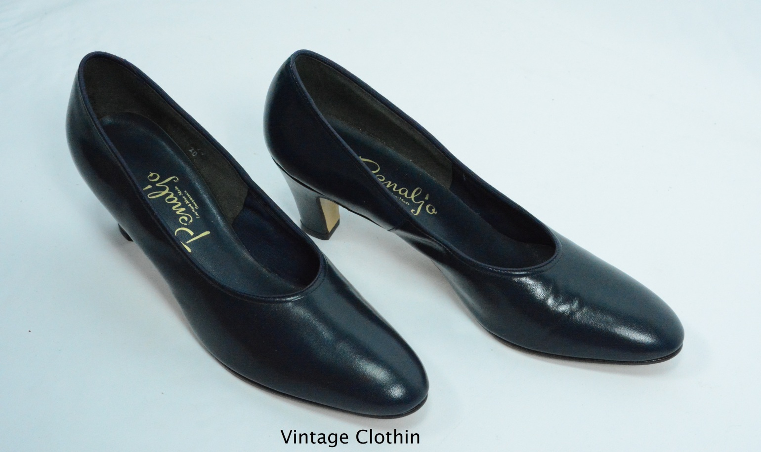 1980s does 1950s Penaljo Blue Pumps