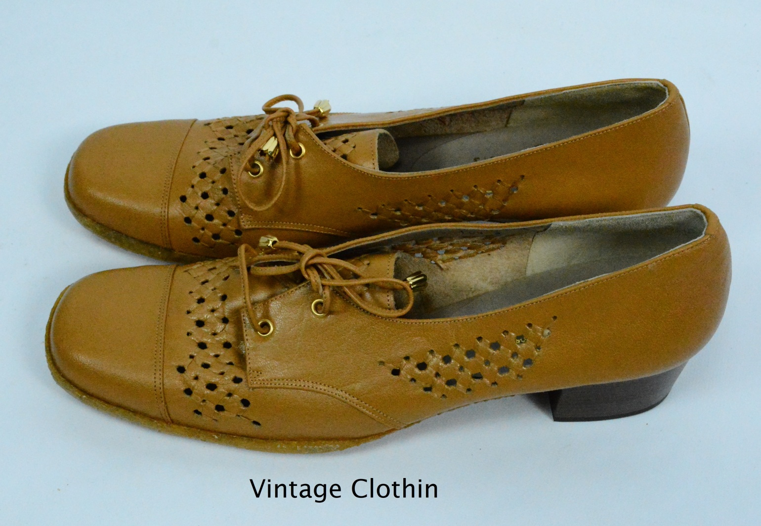 1970s does 1940s Woolf Brothers Tan Oxford Pumps